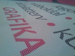 Perforált fólia - One Way Vision. Öntapadó perforált PVC fólia, a kültéri kirakatdekoráció és autóüveg dekoráció