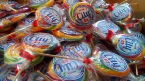 nyalóka, reklámédesség, édesség, nyomda, óbuda nyomda, reklámnyalóka reklámédesség céges édesség reklámcukor, Lollipop reklám és nyomda, digitális nyomtatás, nagy formátumú nyomtatás, Óbuda, Budapest