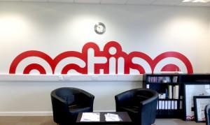falmatrica, logó a falra, egyedi fal dekoráció, betűkivágás, plotter