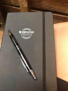 OTP business nagykövet program, logózott reklámajándékok, toll, jegyzettömb