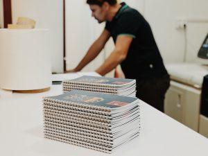 egyedi füzet készítés füzet nyomtatás pdf füzet nyomtatás word jegyzetfüzet nyomtatás egyedi fényképes füzet füzetborító tervezés színes füzet nyomtatás spirálfüzet készítés otthon