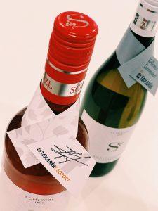 egyedi bor, bor logózás, bortasak, céges bor, bor ajándék, Karácsonyi boroscímke, egyedi boroscímke,